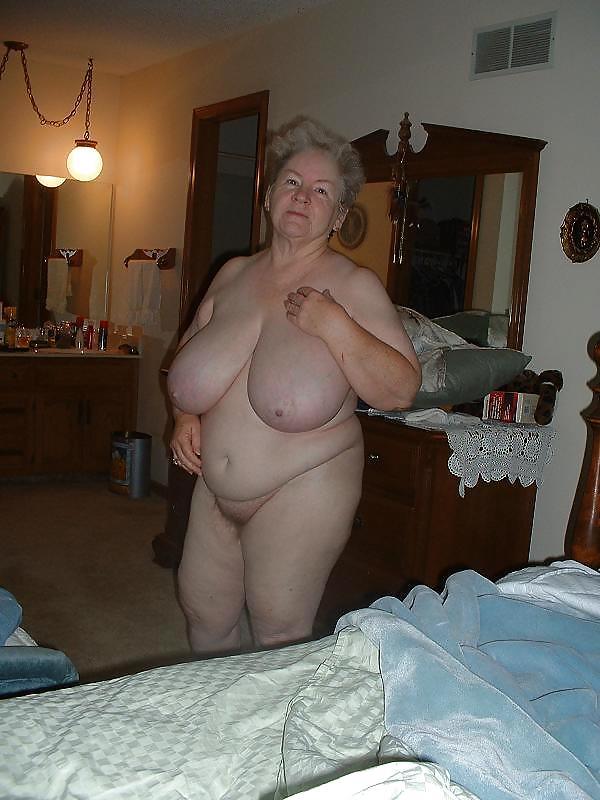 Для тани старые голые толстые