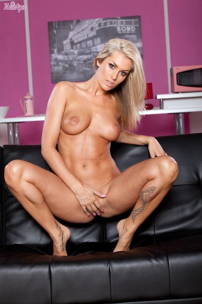 Порно фото российские звезды раздвинули ноги — pic 6