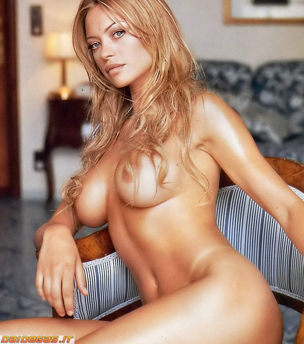 rihanna naked nude pictures