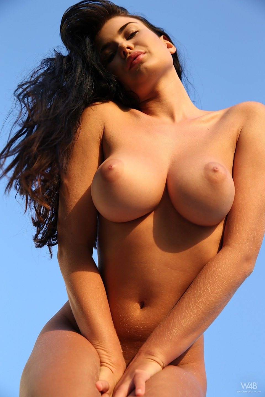Sexy big tits girl